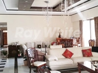 4 Bedrooms Apartment in Sadaf 8