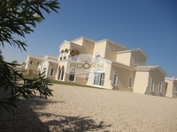 5 Bedrooms Villa in Polo Homes