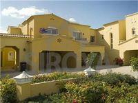 4 Bedrooms Villa in Palmera 1