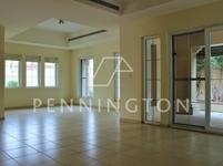 4 Bedrooms Villa in Alvorada 3